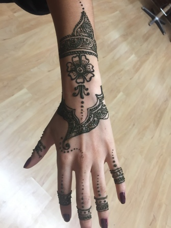 full hand of henna | photo credit : Ciara Speller